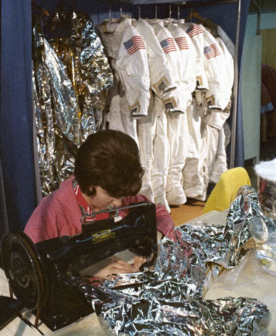 The first space suits were sewn by bra seamstresses, on machines intended precisely for  bras.